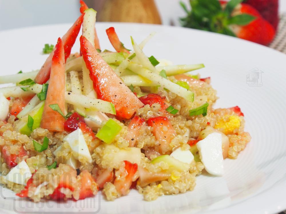 Ensalada de quinoa con fresas y queso - Paso 5