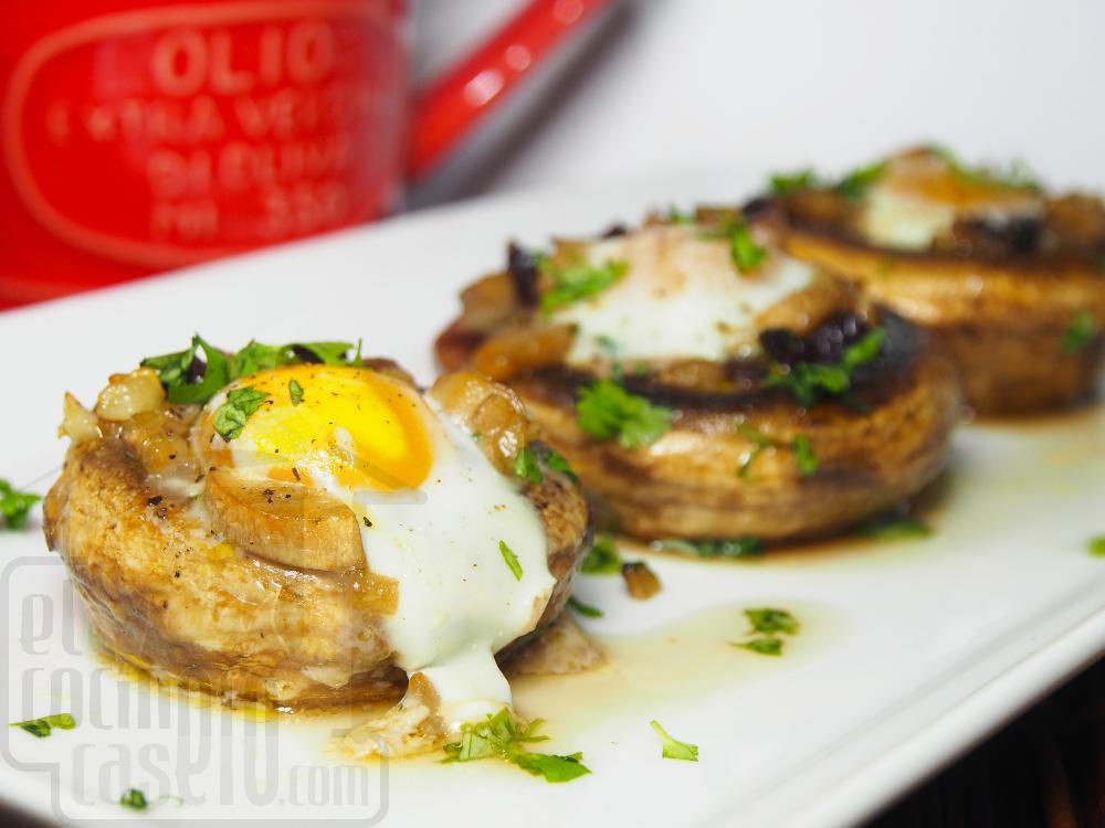 Champiñones rellenos de huevo de codorniz y jamón - Paso 4