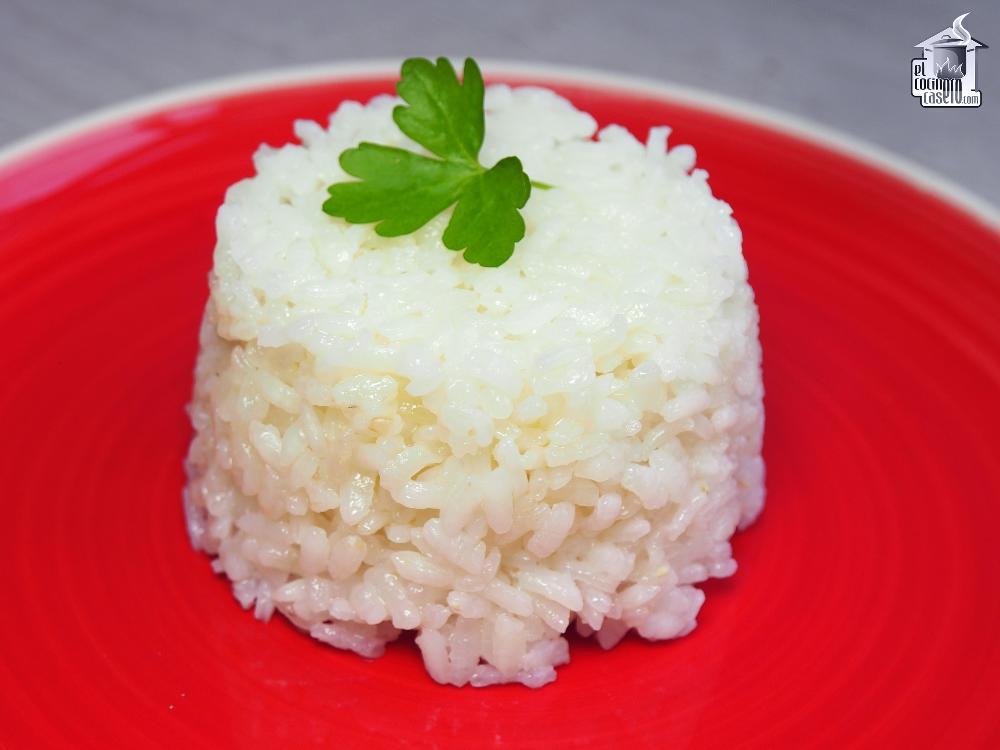 Arroz blanco para 2 personas el cocinero casero for Cocinar 2 tazas de arroz