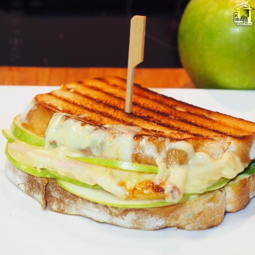 Sándwich de pavo y manzana