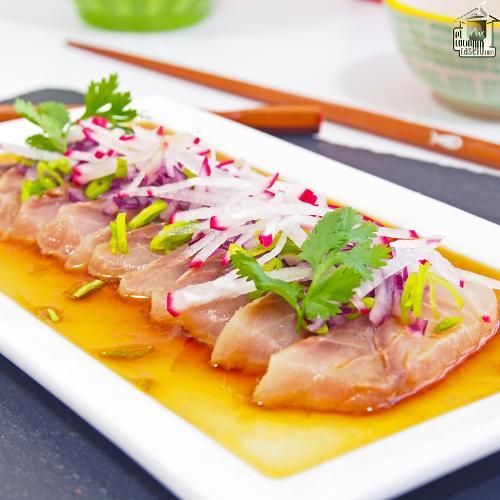 Sashimi de jurel en salsa ponzu